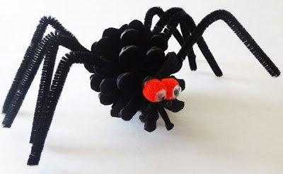 поделки, поделки своими руками, поделки на Хэллоуин, украшения на Хэллоуин, пожелки с детьми, игрушки на Хэллоуин, из шишек, поделки из шишек, природные материалы, паук, паук на Хэллоуин, паук из шишки, паук на Хэллоуин,