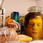 Заспиртованная голова — декор на Хэллоуин (МК)
