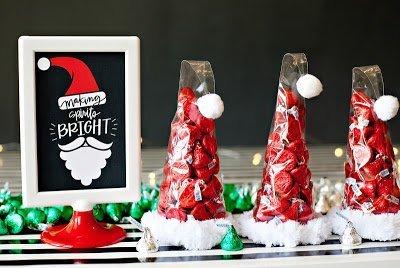 """упаковка конфет, Новый год, Рождество, колпак, Санта-Клаус, упаковка подарков, конфеты, для детей, подарки новогодние, подарки Рождественские, целлофан, конус, проволока мохнатая """"ёрш"""", http://handmade.parafraz.space/,"""
