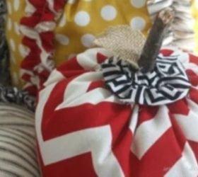 мягкие текстильные тыквы своими руками, как сделать тыкву из ткани своими руками мастер-класс, тыквы из ткани идеи, красивые тыквы из ткани фото, как сшить тыкву из ткани, как сшить подушку в виде тыквы, как сшить игольницу в виде тыквы своими руками, простой мастер-класс по изготовлению текстильной тыквы, тыквы из текстиля идеи, красивые тыквы из текстиля фото, красивые тыквы из разных материалов, как легко сшить тыкву мастер-класс, из чего можно сделать тыку, красивые игольницы из ткани, красивые диванные подушки, мягкая игрушка тыква мастер-класс, тыква в винтажном стиле, тыква в стиле шебби шик, тыква из трикотажа, как украсить текстильную тыкву идеи, тыквы для уклонения дома, осенний декор для дома в виде тыковок, оригинальные тыквы из текстиля, украшения для интерьера в виде тыквы, интерьерный декор на день Благодарения, интерьерный декор на праздник урожая, осенний декор, игольницы в виде овощей, подушки в виде овощей идеи, мастер-клааа по шитью тыквы, как сшить подушку тыкву мастер клас с пошаговым фото, как сшить игольницу пошаговый мастер-класс, Веселые тыквы из цветных тканей (МК), Игольница «Тыква» своими руками, Красивая фигурная тыква из ткани Текстильная тыква с хвостиком (МК), Тыква-игольница — оранжевое осеннее настроение, «Тыква» — декоративная подушка (МК), Тыковка за 20 минут для не умеющих шить Тыковка с фигурными листиками, Фигурная тыква с бантиком (МК),
